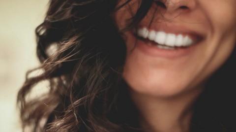 牙醫由內到外解構牙齒變黃原因 美白牙齒飲食方法及坊間迷思