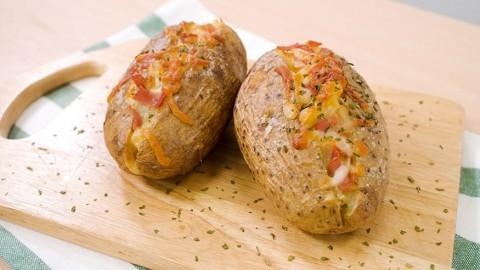 3步新手簡易滋味西式小食 芝士煙肉焗薯食譜